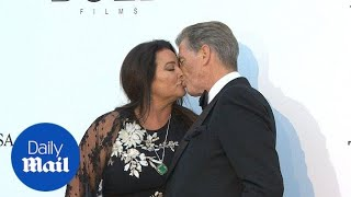 Pierce Brosnan locks lips with wife Keely Shaye Smith in Cannes - Daily Mail キーリーシェイスミス 検索動画 1