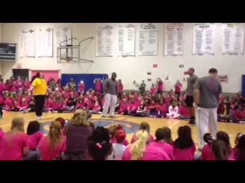 Pittsburgh Steeler Charlie Batch jumping rope