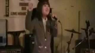 アイドルの城咲愛華ちゃん。 かせ栞カバー「センパイ」を、アリジナルの...