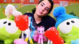 Celestia Om Nomlara şeker yapıyor! My Little Pony