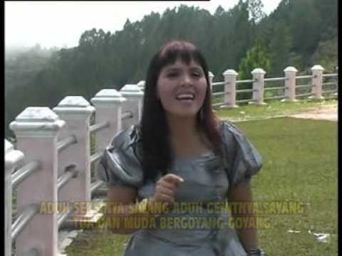 Gadis Melayu - Juli Manurung