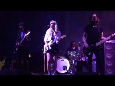 Blondfire - Waves (live at SXSW 2016)