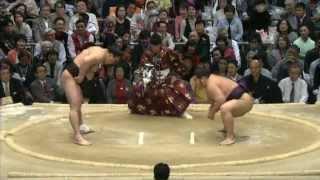 千代大龍が立ち会いの強烈な当たりからの引き落としで日馬富士を破りま...