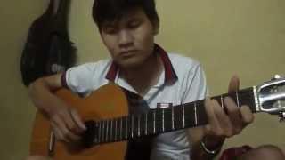 999 Đóa hồng guitar