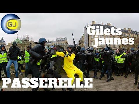Gilets jaunes passerelle Sédar-Senghor. Paris, acte 8.