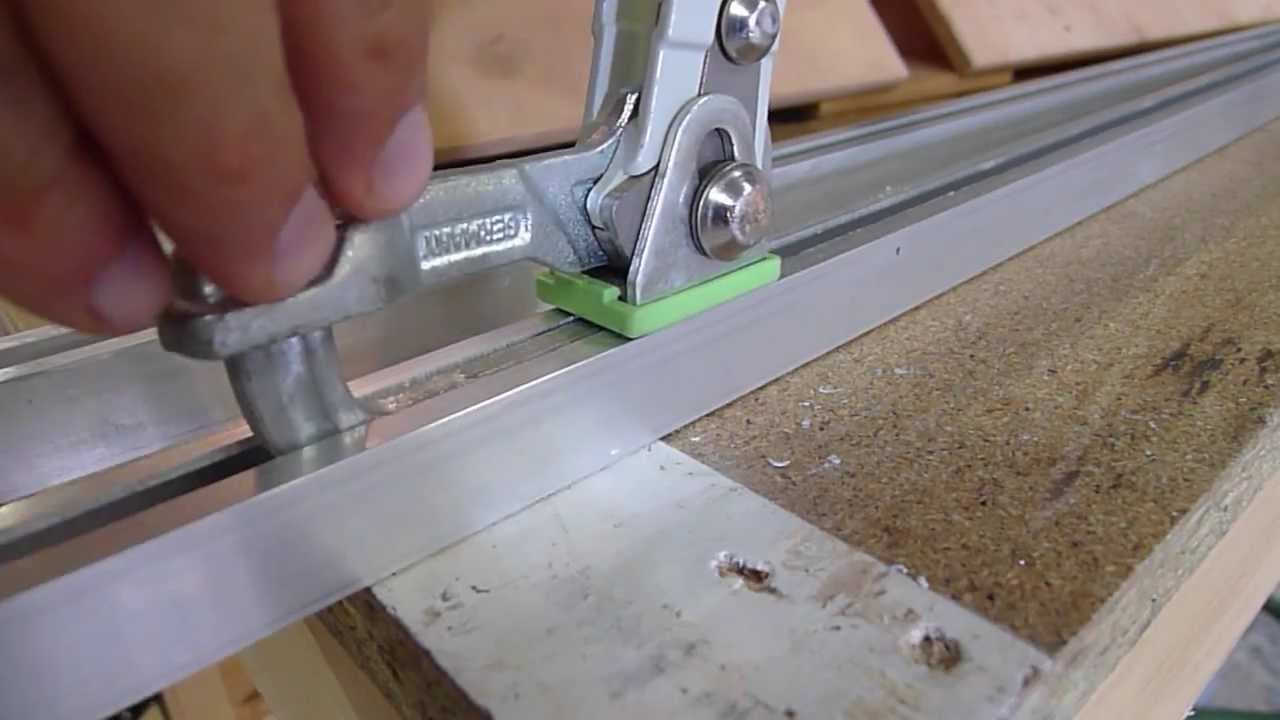 fabrication d 39 un rail pour serre joint festool youtube. Black Bedroom Furniture Sets. Home Design Ideas
