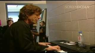 Mick Jagger Backstage Playing Piano (Chris Evans Meets The Rolling Stones