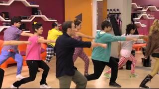 Download Violetta - Impara la coreografia di Juntos Somos Màs MP3 song and Music Video
