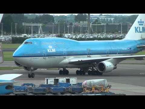 Plane spotting at Schiphol Airport 28 juli 2012