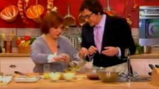 Счастье есть! с Еленой Чекаловой и ножи Tojiro(Елена Чекалова со своим гостем готовят легкий ужин, используя нож из серии Tojiro Pro., 2010-03-22T12:05:48.000Z)