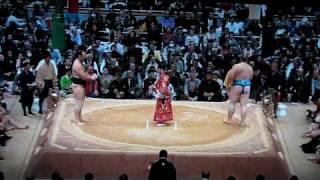 Baruto vs Kotooshu (Day11 Kyushu-Basho 2009 Nov)