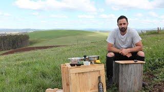 Jacob's Creek Presents - Andy & Ben Eat Australia 1