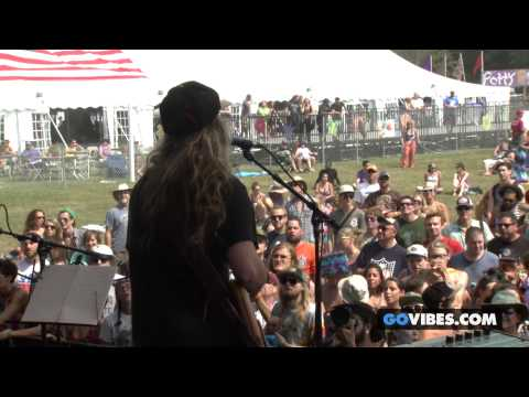 """Twiddle performs """"Daydream Farmer"""" at Gathering of the Vibes Music Festival 2014"""