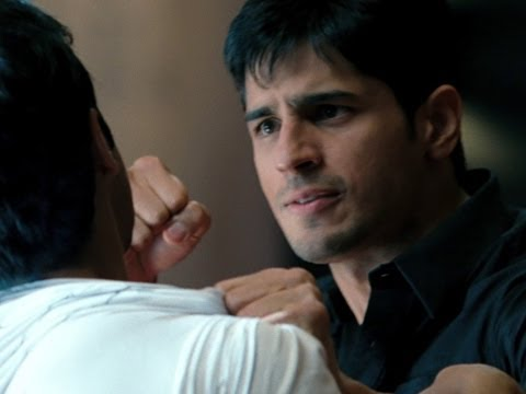 Siddharth Malhotra punches Varun Dhawan - Student Of The Year