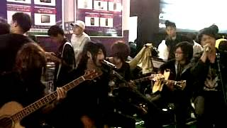Lepaskan Diriku_JROCKS covered by JellyFish band Indonesia.avi