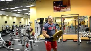 Упражнение на плечи | Вращение блина вокруг корпуса
