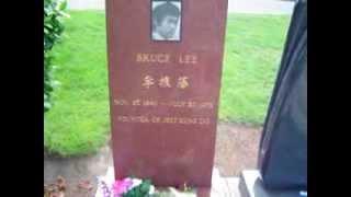 Bruce Lee s Grave in Seattle Washington USA - Tumba de Bruce Lee Güepsa
