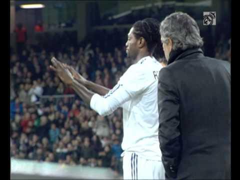 Primera rueda de prensa de Adebayor con el Real Madrid