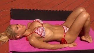 Hot Girl\'s Sexy Bikini Ab Workout!!! Try it!