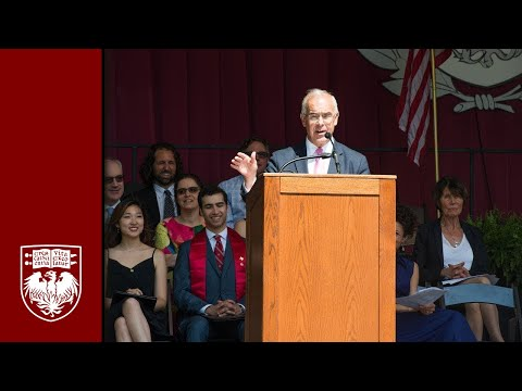 David Brooks addresses University of Chicago graduates