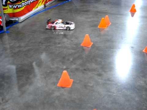 SEMA Las Vegas Auto Show – R/C Car Drifting Around Cones – Canon S5 IS