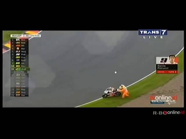 Detik detik petruci crash saat posisi pertama motogp germany