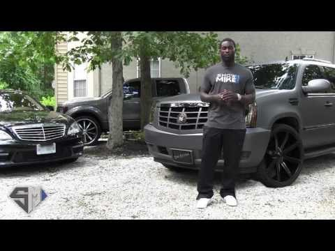 Check out Michael Vick talking about his new car site. No, really