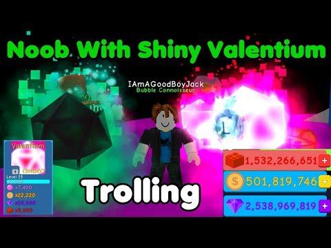 Noob With Shiny Valentium! Noob Disguise Trolling - Bubble Gum Simulator