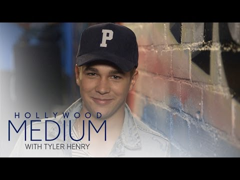 Tyler Henry Predicts Austin Mahone's Future | Hollywood Medium with Tyler Henry | E!