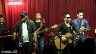 Sandhy Sondoro ft Ronji & Dennis - How Could We Not Love (Superstar) @ Mostly Jazz 01/05/13 [HD]
