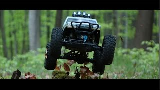 Horror RC Car Chase // Axial Wraiht VS. Human [HD]