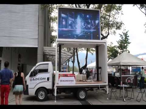 Oficina movil led motor show 2014 youtube for Oficinas mobiles