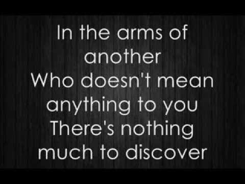 Placebo - Exit wounds (lyrics video)