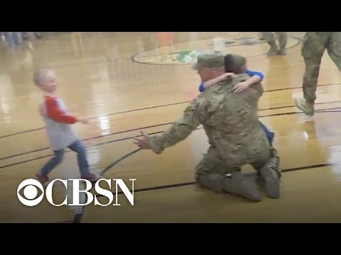 300 soldiers return from Afghanistan for epic homecoming