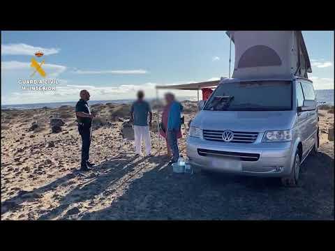 La Guardia Civil colabora en el reparto de alimentos a familias con dificultades en Fuerteventura 