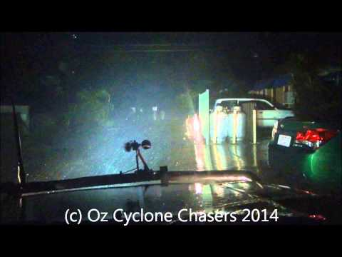 Severe Tropical Cyclone Ita Chase Cooktown ( Destructive footage )