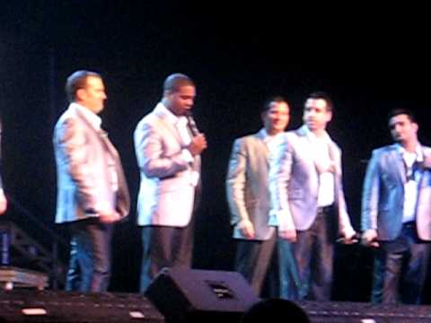 Straight No Chaser~12 Days of Christmas/Africa medley~Fort Wayne ...