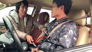 Kỹ năng phòng chống cướp khi chạy ô tô grab, grab car - Self defence for grab car