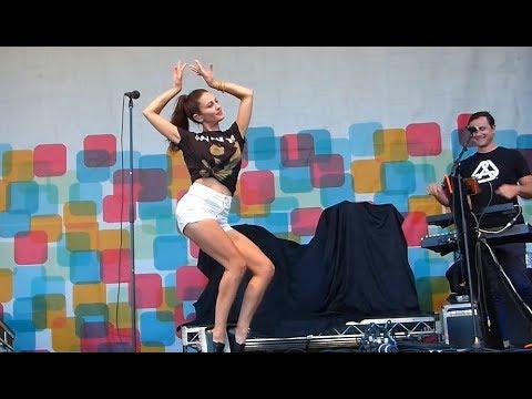 Dragonette - Hello + I get around ( LIVE) @ Richmond World Festival 2017 - Minoru Park