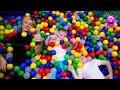 Самая КРУТАЯ ПЛОЩАДКА для ДЕТЕЙ РОМА и МАКС играют под музыку The COOLEST PLAYGROUND For CHILDREN mp3