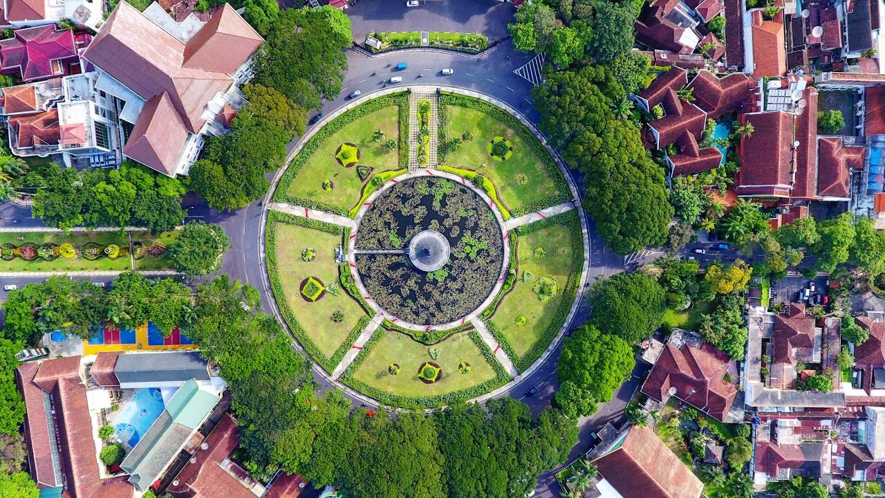 Tugu Kota Malang Drone View Youtube