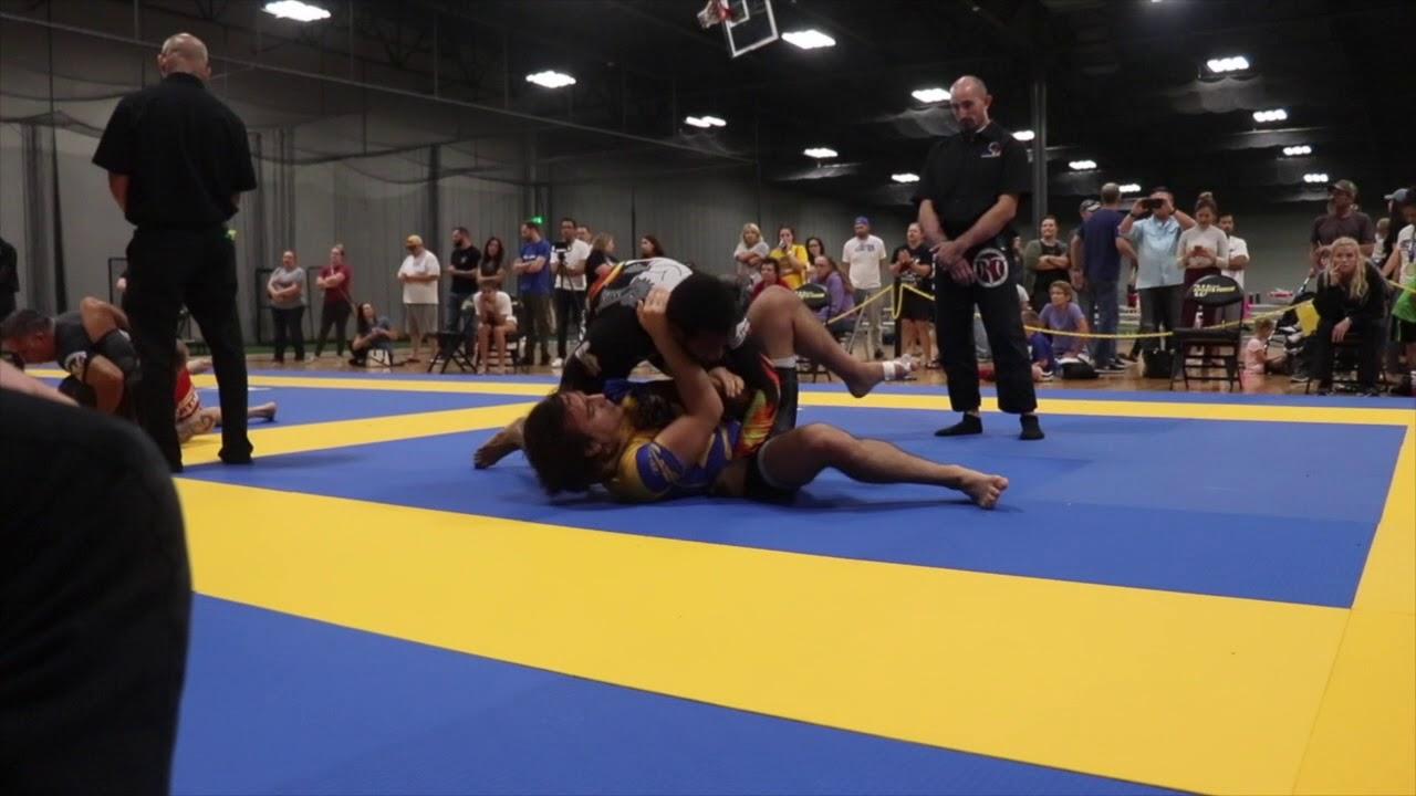Fuji BJJ Tournament 2018: WICHITA-Andre' Moore-El (KCBJJ) vs  Wes (Zenith)  NOGI Adult Blue Belt 190