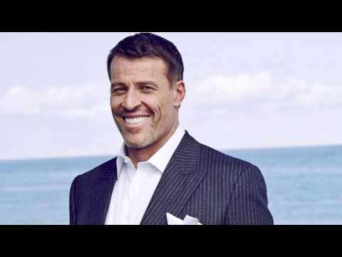 Tony Robbins Unshakeable Book Review: Is He Right or Wrong About Stock Market Investing Strategies?