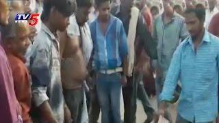 BAR and Restaurant Staff Attacks on Customers | Telugu News | TV5 News