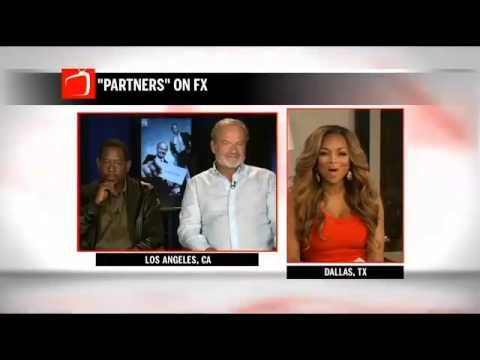 Pat Smith Surprises Martin Lawrence & Kelsey Grammer During