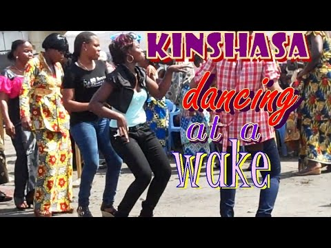 Kinshasa: Congo women dancing at a funeral ~ Les kinoises dansent à la veillée funèbre
