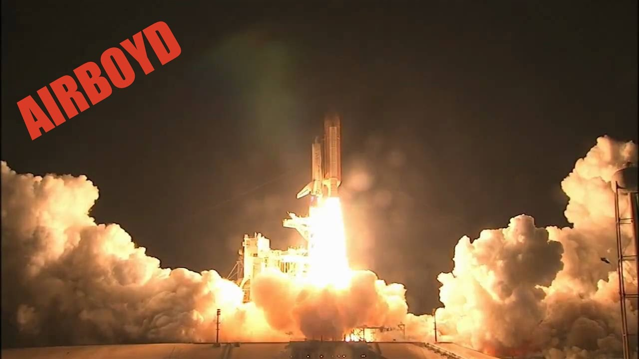 Space Shuttle Discovery Night Launch STS-128 - YouTube