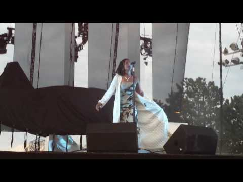 "Kelela - ""The High"" live in Toronto 05/23/17"