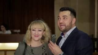Ведущий Слета Самогонщиков,  Евгений Лежнин берет интервью у гостей. Йошкар -Ола 1 декабря 2018г.