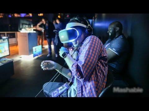 مواقف مضحكة تحدث عند ارتداء نظاره الواقع الافتراضي   VR